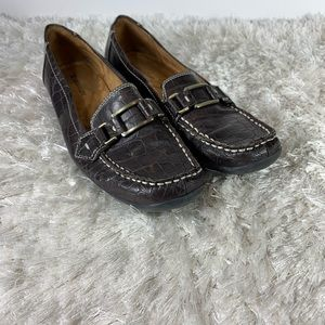 Naturalized Brown Croc Buckle Loafer Sz 8.5